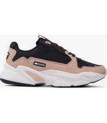 sneakers x400