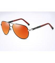 gli occhiali da sole anti-uv delle donne degli uomini polarizzano gli occhiali da sole casuali di vacanza degli occhiali all'aperto di modo