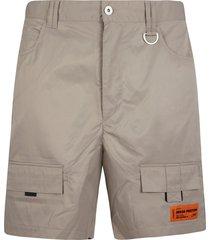 heron preston logo patched cargo shorts