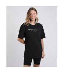 "t-shirt feminina mindset discrimination is not ok"" decote redondo manga curta preta"""