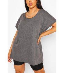 plus oversized t-shirt, houtskool
