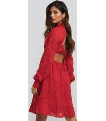 na-kd boho open back flower applique dress - red