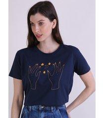 t-shirt feminina mindset mãos místicas manga curta decote redondo azul marinho