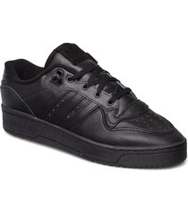 rivalry low låga sneakers svart adidas originals