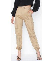 parisian utility cargo trousers byxor