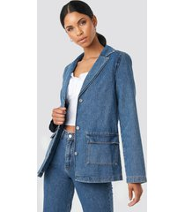 anna nooshin x na-kd straight fit denim blazer - blue