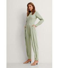 na-kd trend ekologisk jumpsuit - green