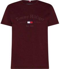 camiseta tommy hilfiger archive graphic vinho vermelho escuro