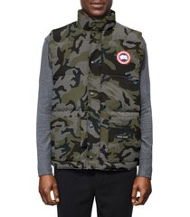 canada goose freestyle trim fit down vest, size x-small in classic camo coastal grey at nordstrom