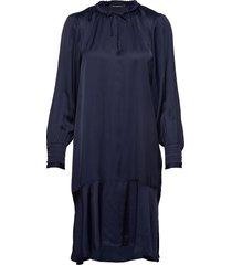 baume este dress jurk knielengte blauw bruuns bazaar