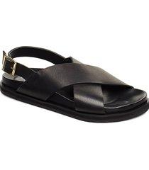 stb-famara cross l shoes summer shoes flat sandals svart shoe the bear