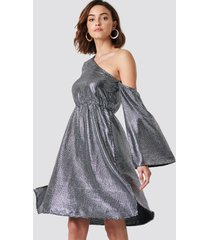 na-kd party one shoulder asymmetric sequin dress - silver
