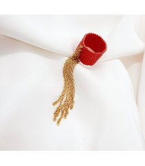 czerwony pierścionek koralikowy z łańcuszkiem