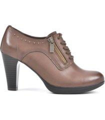 rialto purity tailored shooties women's shoes
