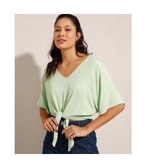 blusa ampla com nó manga curta decote v verde claro