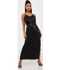glamorous satin dress with buttons klänningar