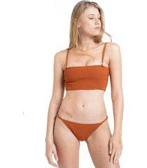 bikini marrón disturbia