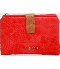 billetera rojo-café desigual