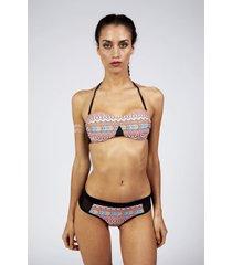 bikini bandeau armado beverly con recorte étnico calypsonia
