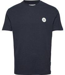 our jarvis patch tee kortärmad skjorta blå woodbird
