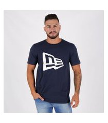 camiseta new era essentials flag marinho