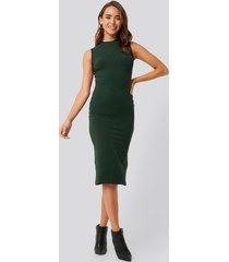 na-kd basic sleeveless ribbed midi dress - green