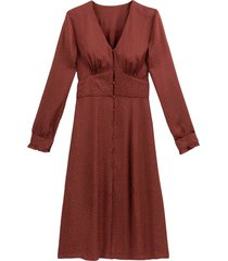 midiklänning med v-ringning och lång ärm