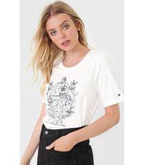 camiseta tommy hilfiger brasã£o off-white - off white - feminino - algodã£o - dafiti