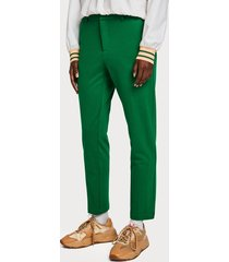 maison scotch 149890 0530 tailored sweat pants sold with belt groen