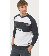 sweatshirt med tryck fram