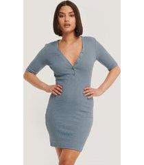 na-kd ribbed short sleeve dress - blue