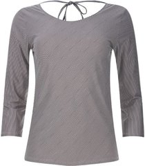 camiseta rayas diagonales color negro, talla 6