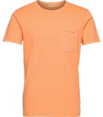 washed tee w?. pocket s/s t-shirts short-sleeved orange lindbergh