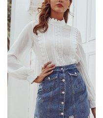 blusa de manga larga con encaje blanco cuello