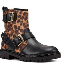 botín arria leopardo mujer nine west