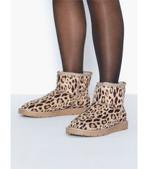 nly shoes boots flat boots