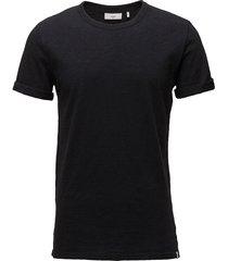 delta t-shirts short-sleeved svart minimum