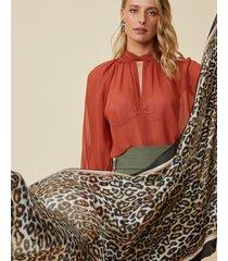 amaro feminino lenço leopard, onca tradicional