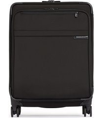 baseline medium expandable spinner suitcase