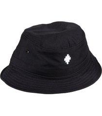 marcelo burlon cross bucket hat