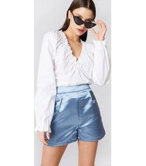 na-kd party high waist satin shorts - blue