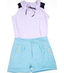 shorts liminha doce azul e blusa branca
