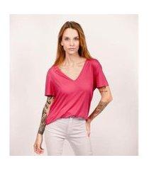 camiseta decote v ampla em modal cora básico feminina