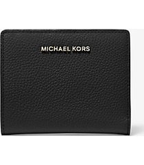 mk portafoglio medio in pelle martellata - nero (nero) - michael kors