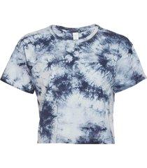 dyi women's crop yoga t-shirt - blue photo tie dye medium cotton