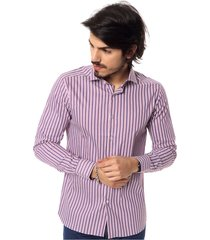 camisa violeta de lobos chispas