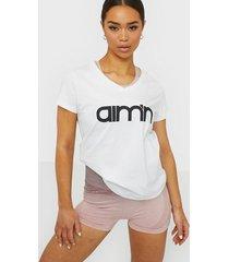 aim'n logo t-shirt toppar kortärmade vit