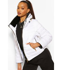 getailleerde gewatteerde jas met stiksels, wit