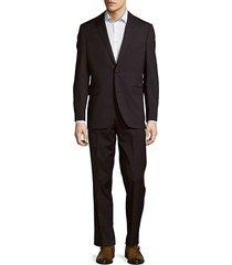 notch buttoned suit
