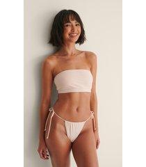 melissa bentsen x na-kd återvunnen bikinitrosa med knytdetalj - pink
